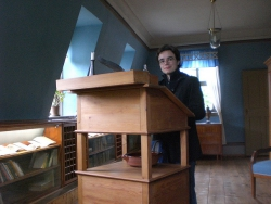 posing at Schiller's writing desk, Jena
